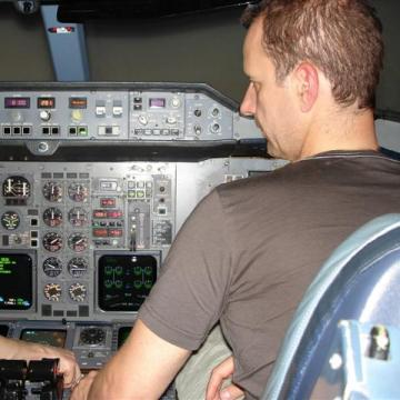 Flying the Airbus 310 !